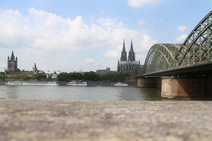 Kölner Dom von der Schäl Sick aus fotografiert. Das Bild entstand bei der Stadtführung Köln.